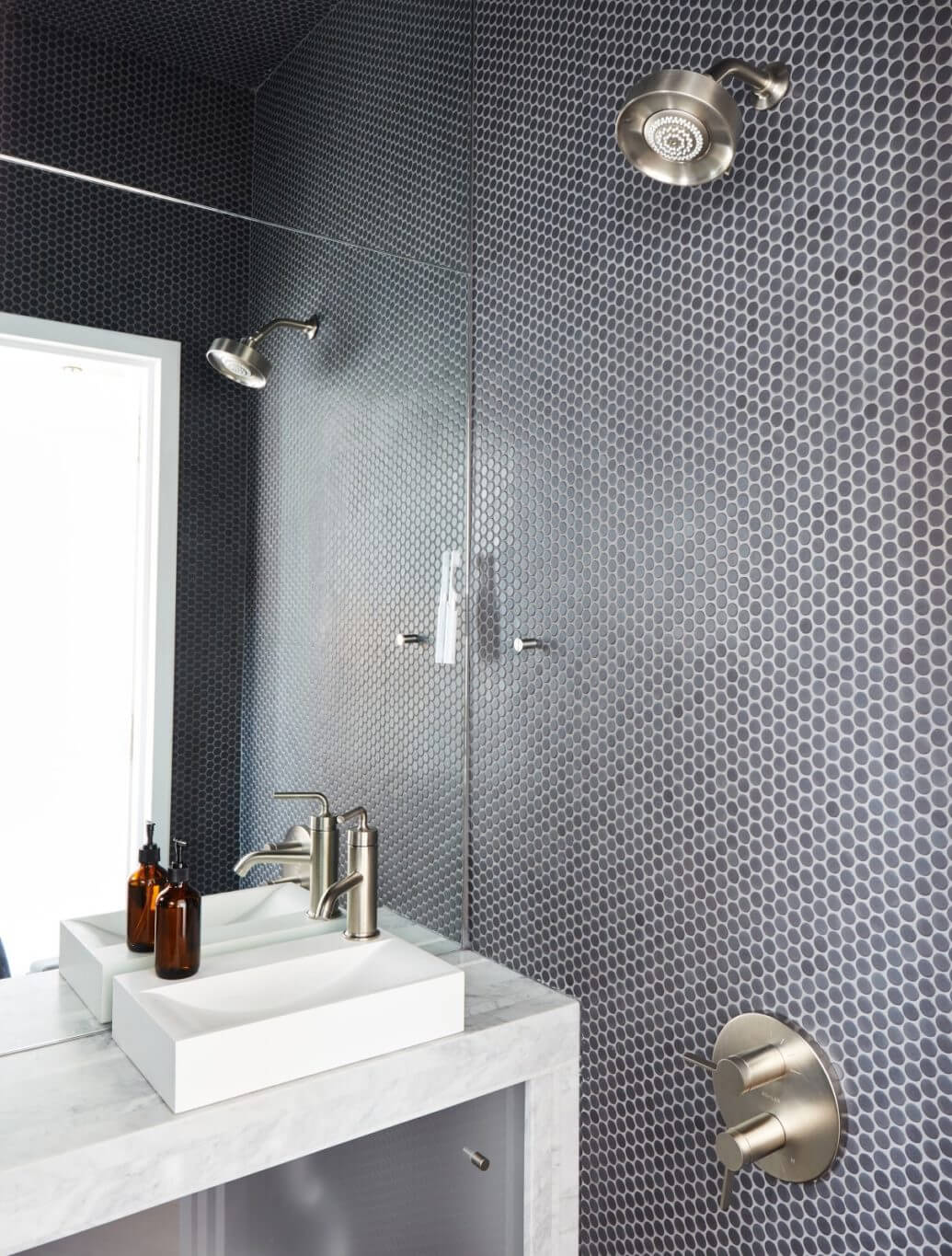 Bathroom with circle tile walls